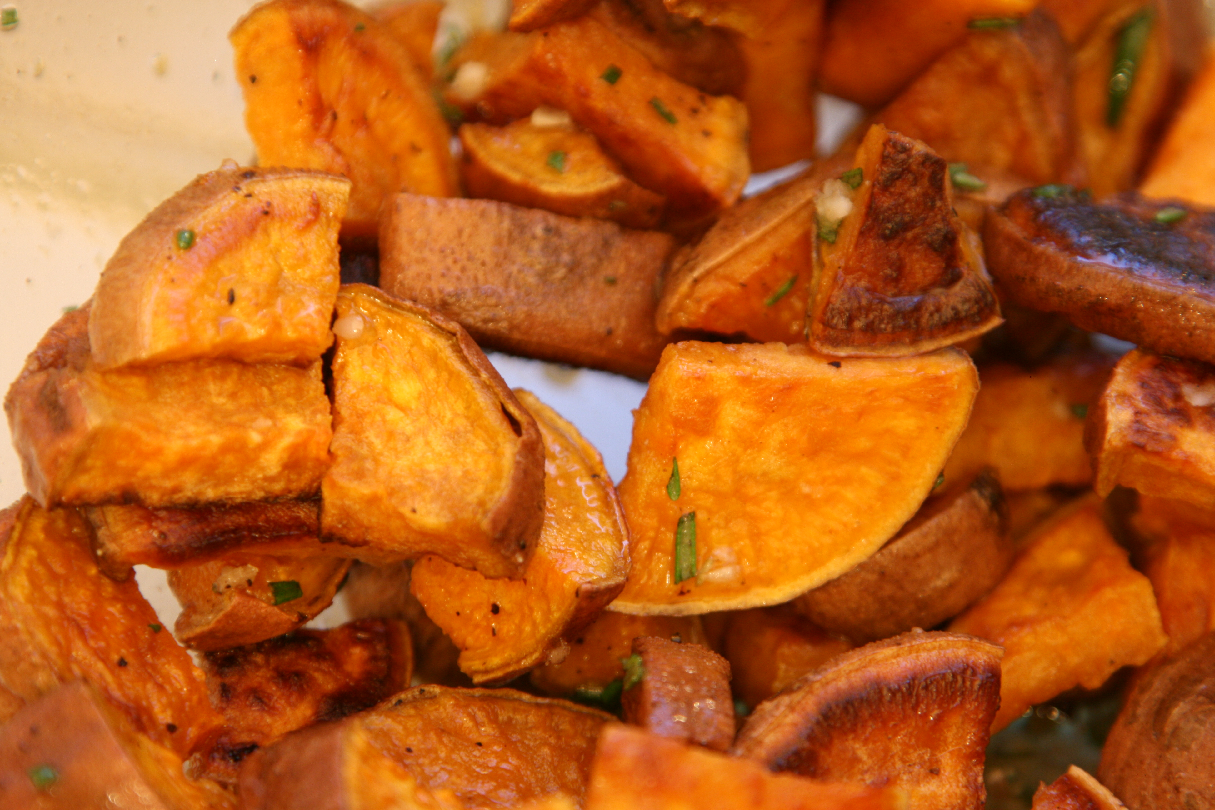 Roasted Sweet Potatoes with Rosemary-Honey Glaze | basal | evolution